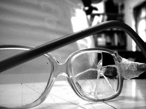 brokenglasses1.jpg